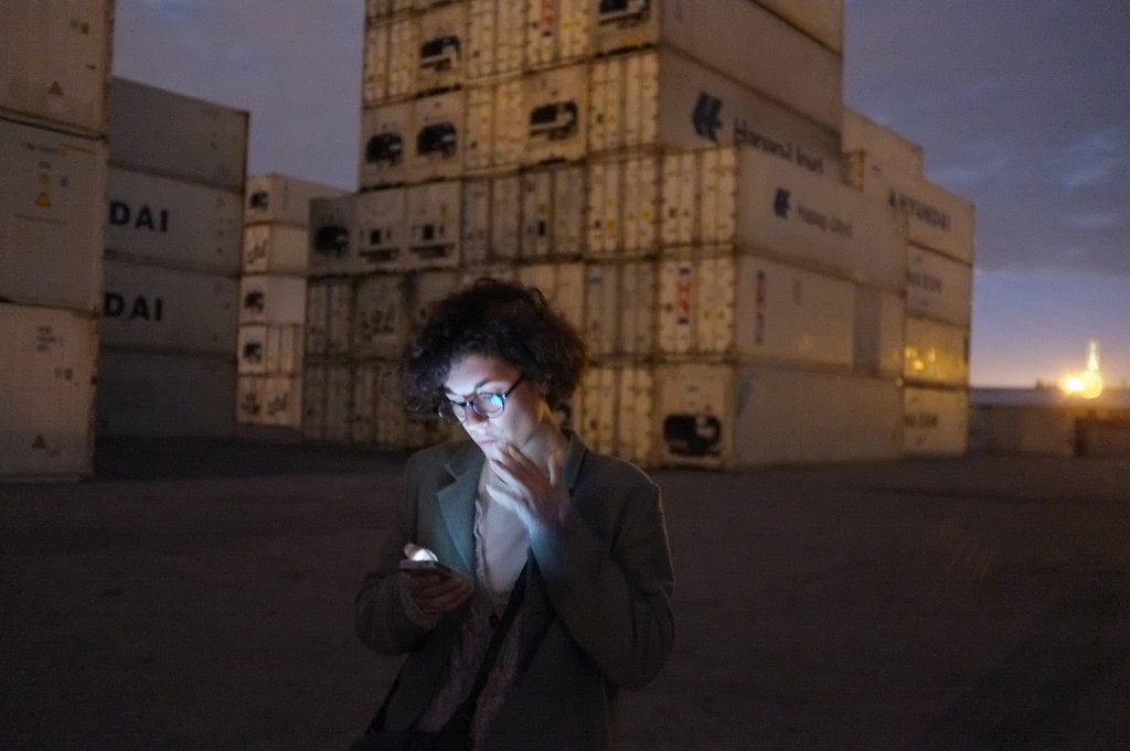 Camille et les containers