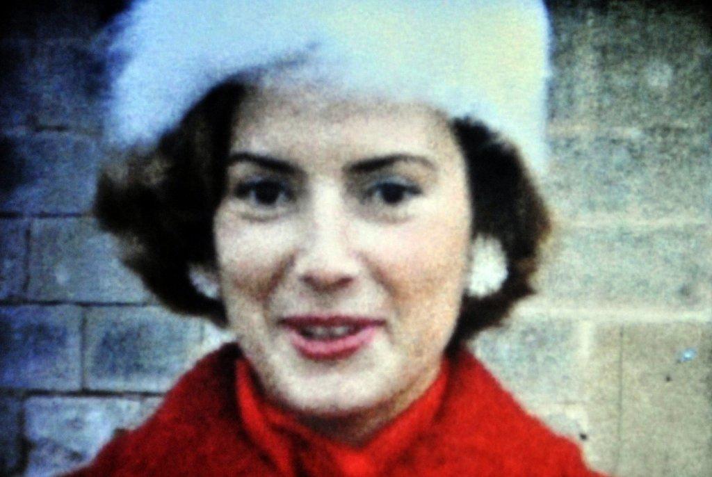 manteau-rouge-chapeau-blanc-modifie-1-copie.jpg