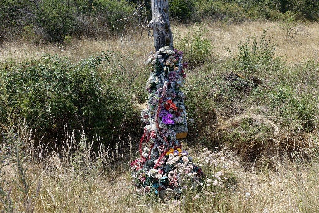 Monuments funéraires de bord de route